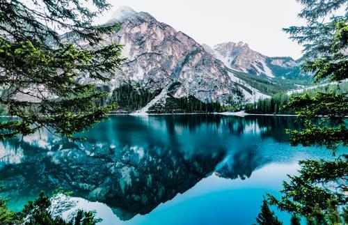 生态环境部通报8月和1-8月全国地表水、环境空气质量状况